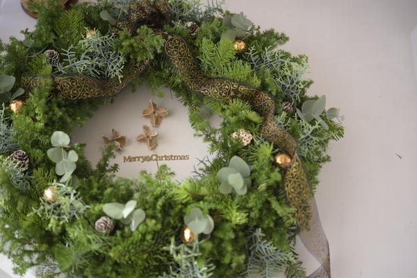 フレッシュグリーンのクリスマスリースレッスン