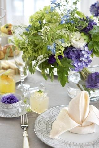 初夏のアフタヌーンティーテーブル