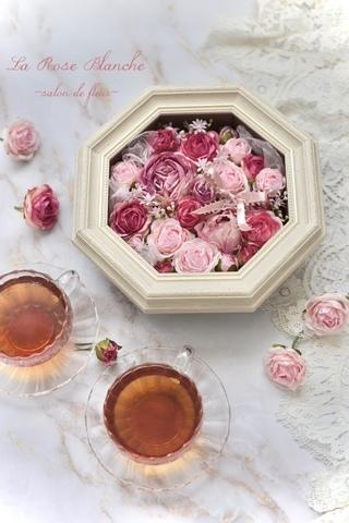 八角形の壁掛けアレンジメント Rose
