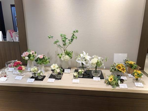 広島三越7階ギャラリーでお花を展示しています