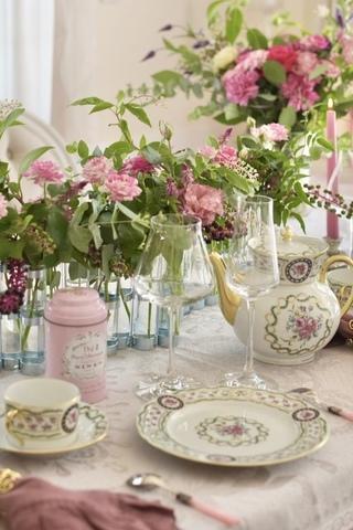 マリーアントワネットの世界 優雅なアフタヌーンティーテーブル