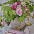 愛らしいピンクのバラのブーケの画像1