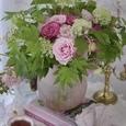 愛らしいピンクのバラのブーケの画像3